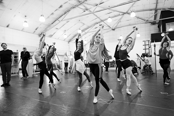 Photo Flash: See Killian Donnelly, Holly-Anne Hull and More in Rehearsals for PHANTOM OF THE OPERA