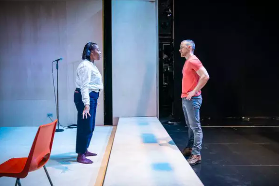 Wake Up With BWW 2/21: WEST SIDE STORY Reviews, and More!