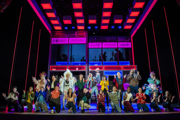 Photo Flash: Take a Look at the National Tour of EVERYBODY'S TALKING ABOUT JAMIE