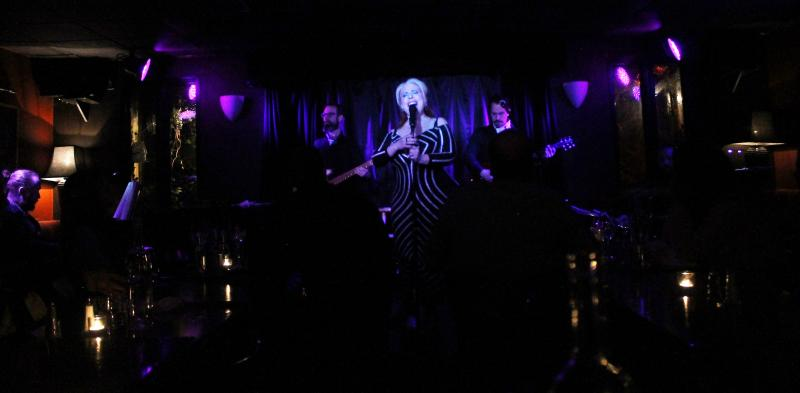 BWW Review: Raquel Cion's ME AND MR. JONES: MY INTIMATE RELATIONSHIP WITH DAVID BOWIE Stands Out at Pangea