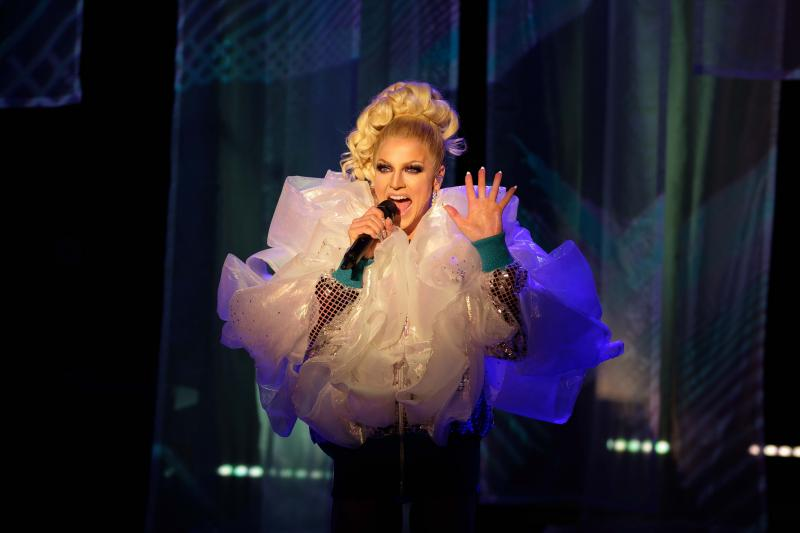 BWW REVIEW: Engaging, Entertaining and Educational, Courtney Act Shares Her Story In An Effort To Help People Understand Gender Fluidity With Her New Cabaret FLUID.