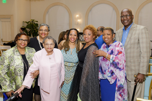 Leslie Gray Streeter & Family