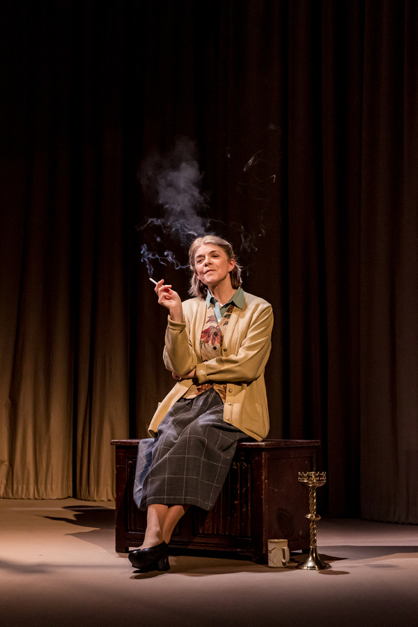 Photo Flash: Jan Ravens and Julia Watson in TALKING HEADS at Watford Palace Theatre