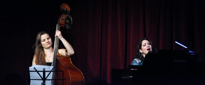 BWW Review: NICOLE ZURAITIS Is a Wonder Woman at The Beach Cafe