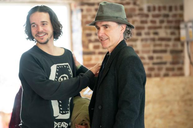 BWW Interview: Finbar Lynch Talks INDECENT at Menier Chocolate Factory