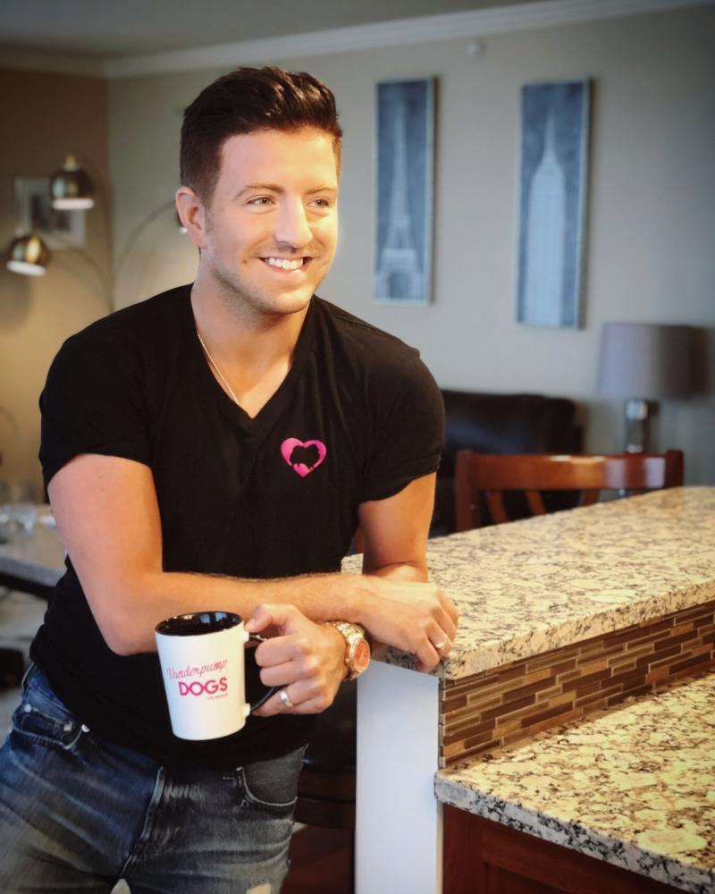 BWW INTERVIEW: At Home With Billy Gilman