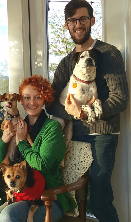 BWW Backstage Pets: SARA TOLSON and her dogs Phoebe, Hazel, and Pepper