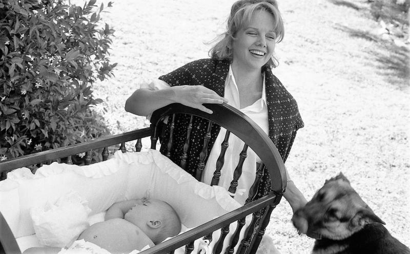BWW Feature: At Home With Linda Purl On Mother's Day