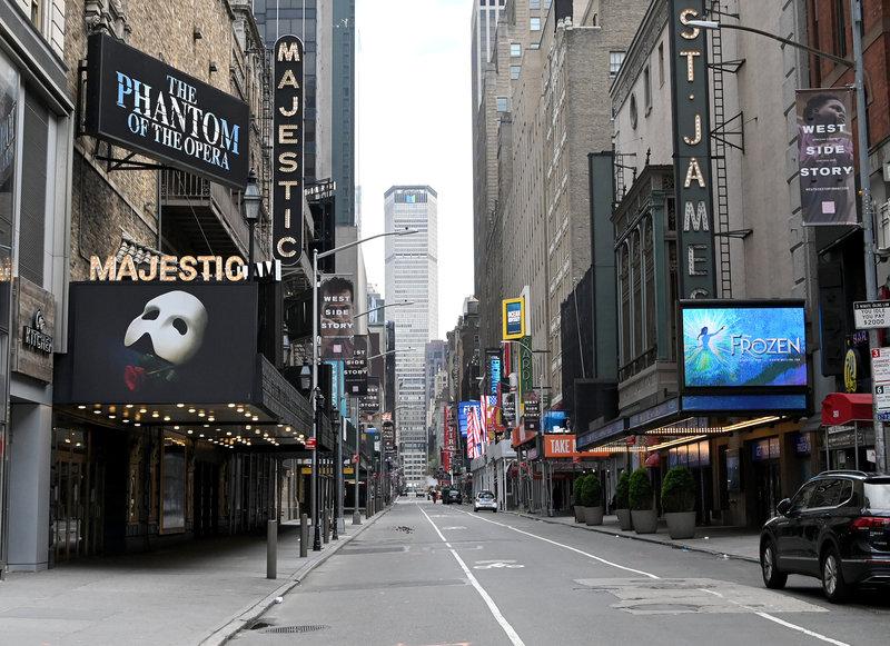 Broadway, West End y Gran Vía optan por una decisión cauta para su reapertura