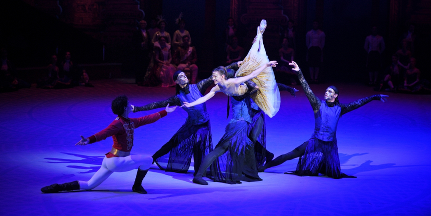 BWW Review: CINDERELLA IN-THE-ROUND, Royal Albert Hall Photo