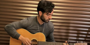 Ramin Karimloo Sings an Acoustic Rendition of 'Amazing Grace' Video