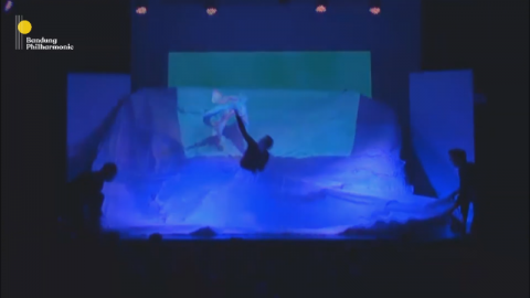 BWW Review: The Imaginative Flight of MUSIC OF PAPER's Story and Form