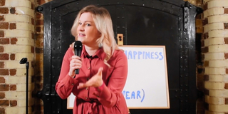 Samantha Hannah on HOW TO FIND HAPPINESS IN A YEAR Photo