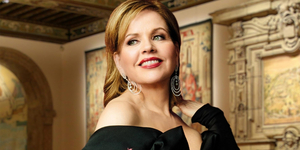 BWW Review: Fleming Continues to Surprise in Met Stars Live in Concert at Washington's Dumbarton Oaks, August 1