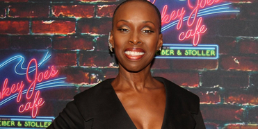 VIDEO: Watch Brenda Braxton's Birthday Bash on STARS IN THE HOUSE- Live at 8pm! Photo