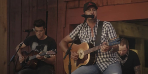 VIDEO: Luke Bryan Performs 'Born Here Live Here Die Here' on LATE NIGHT WITH SETH MEYERS