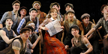 VIDEO: Watch a NEWSIES Reunion on STARS IN THE HOUSE- Live at 8pm! Photo