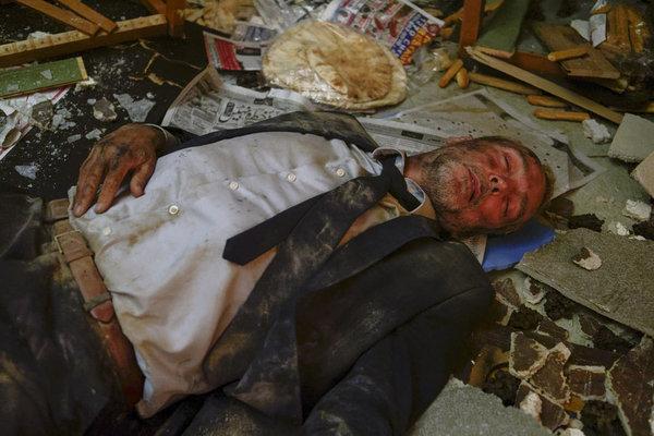 John Hannah as Dr. Jed Bishop (Photo by: Yan Turcotte/Sphere Media/CTV/NBC) Photo