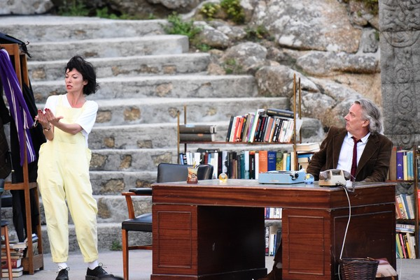 Photo Flash: First Look at EDUCATING RITA, Now Playing at the Minack Theatre