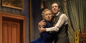 BWW Review: GASLIGHT at Her Majesty's Theatre Photo