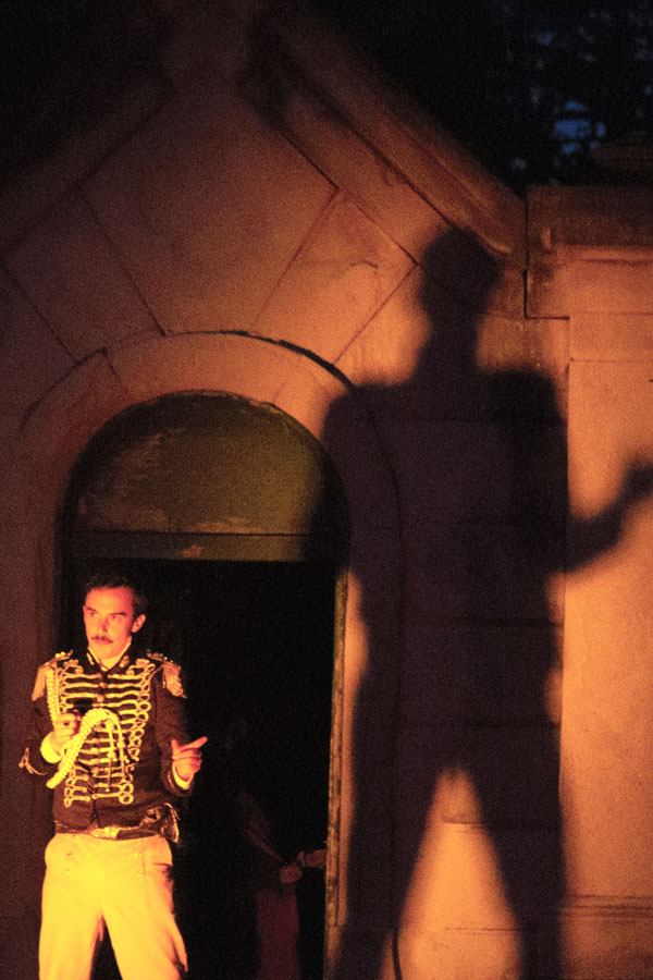 BWW Review: ELECTRIC POE A HAUNTING TALE BY THE COTERIE  THEATRE