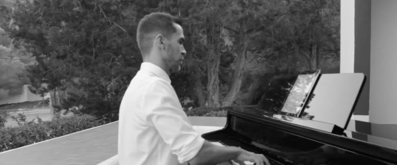 BWW TV: Xavier Torras se despide de ANASTASIA con un medley
