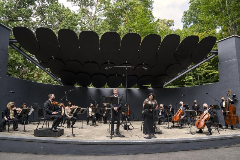 Video & Photos: Liev Schreiber Narrates Orpheus Chamber Orchestra's New Translation of EGMONT