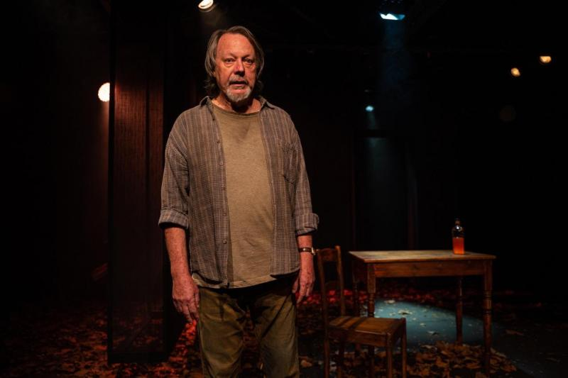 BWW Review: Voluble and Vivid, THE OUTLAW MUCKRIDGE at Baxter Theatre Centre Set to Astound