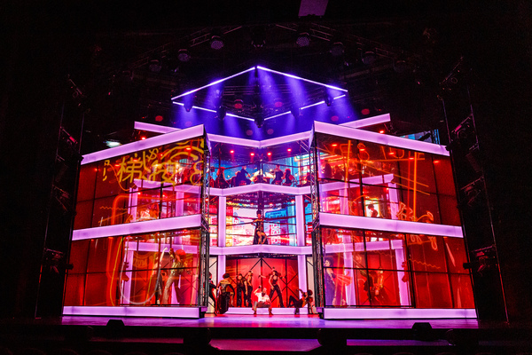 Photos/Video: First Look at the Russian Premiere of CHESS The Musical