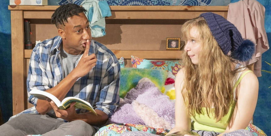 BWW Review: I AND YOU at Des Moines Playhouse Photo