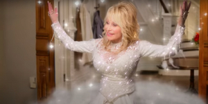 Trailer for DOLLY PARTON'S CHRISTMAS ON THE SQUARE Video