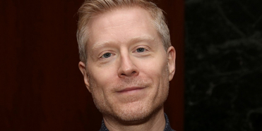 VIDEO: On This Day, October 26- Happy Birthday, Anthony Rapp Photo