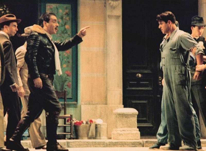 Ruth Iniesta, Sylvia Parejo y Ángel Ruiz en LA DEL MANOJO DE ROSAS en el Teatro de la Zarzuela