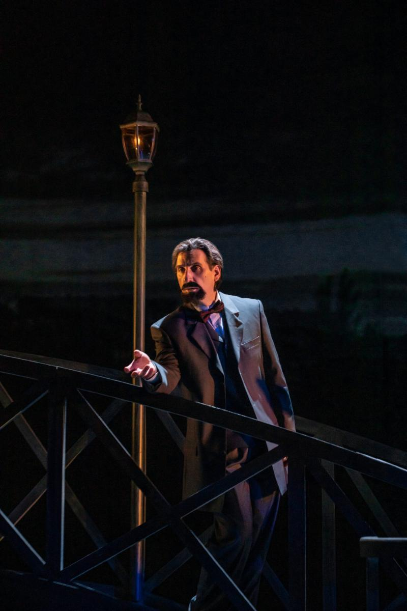 BWW Interview: Hershey Felder of HERSHEY FELDER AS CLAUDE DEBUSSY IN A PARIS LOVE STORY Transports Us to That Romantic City in the 19th Century