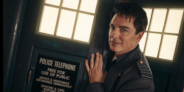 John Barrowman Will Return for DOCTOR WHO Holiday Special Photo