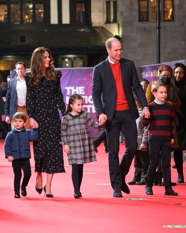 Photo Flash: The Duke and Duchess of Cambridge Attend PANTOLAND Special Performance for Key Workers