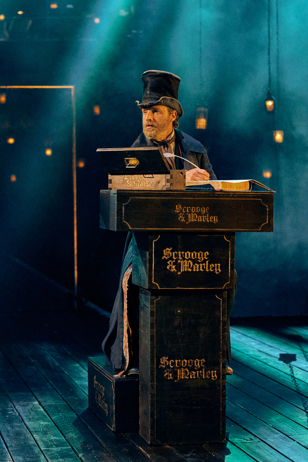 Photos: Check Out Production Shots of Old Vic: In Camera A CHRISTMAS CAROL Starring Andrew Lincoln