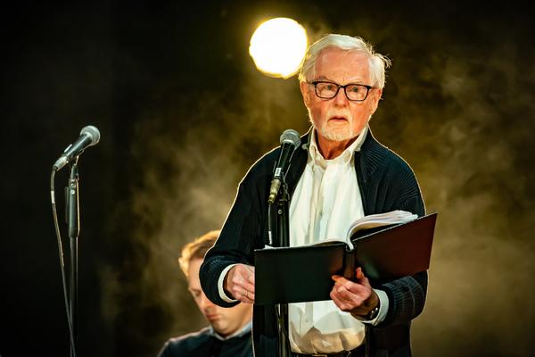 Sir Derek Jacobi Photo