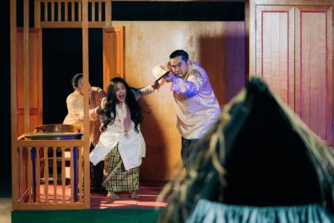 BWW Review: Musical Short Film LENTERA DI TEPIAN Serves a Flickering, Old-Fashioned Romance