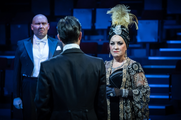 Photo Flash: First Look at Curve's SUNSET BOULEVARD in Concert