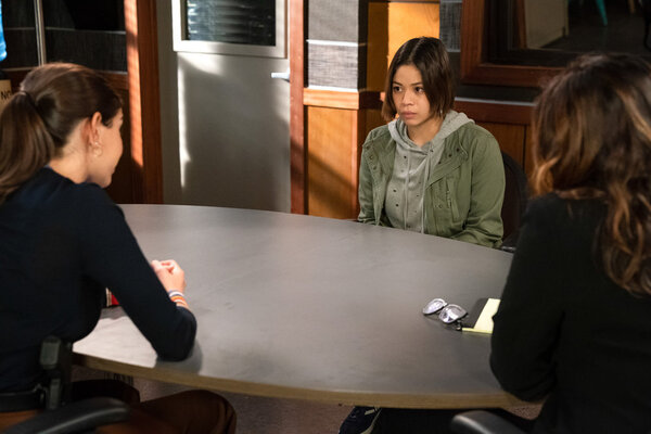 Jamie Gray Hyder, Eva Noblezada, Mariska Hargitay as Captain Olivia Benson Photo