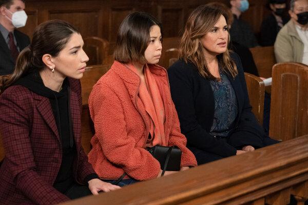 Jamie Gray Hyder, Eva Noblezada, Mariska Hargitay  Photo