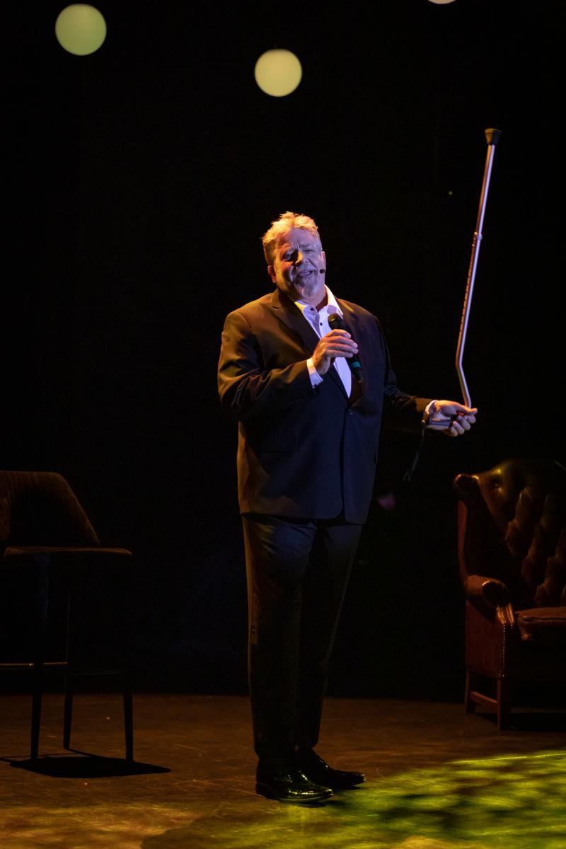 BWW REVIEW: Philip Quast Shares Stories And Songs From His 40 Year Career In IS THIS ALL THEN?