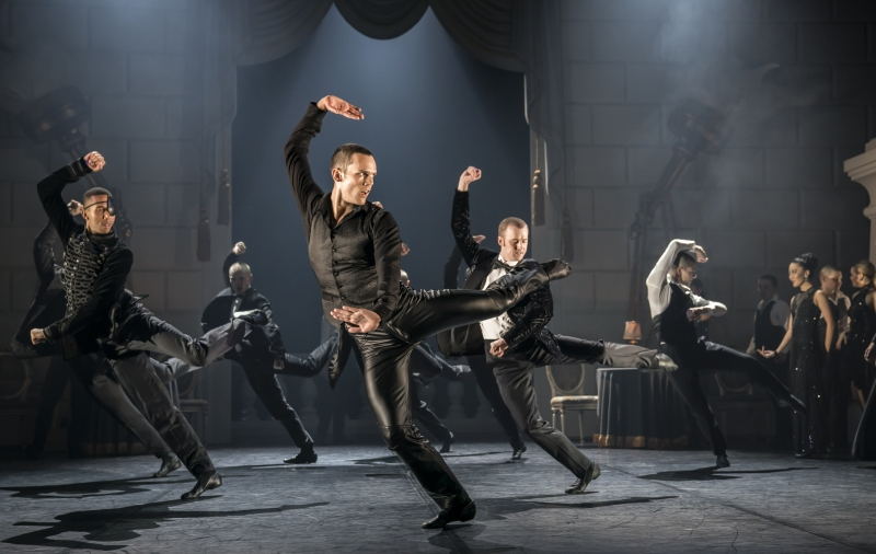 Photos & Video: Go Inside SWAN LAKE, to be Presented as Part of MATTHEW BOURNE'S NEW ADVENTURES FESTIVAL!