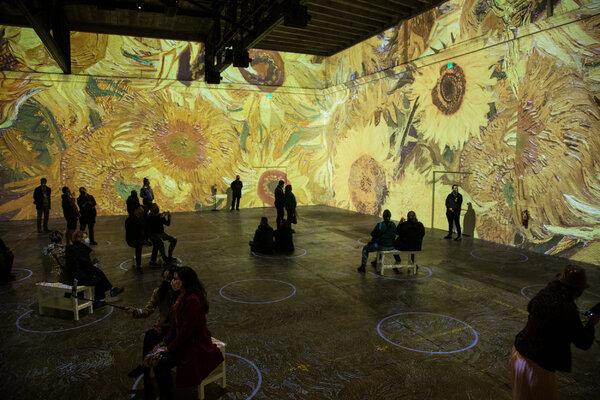 Photos: Inside IMMERSIVE VAN GOGH San Francisco Exhibiton