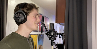 VIDEO: Next on Stage College Winner Tommy Kaiser Debuts His Music Video for 'September of Photo