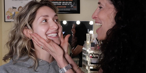 Mom Does My Stage Makeup on The Dressing Room with Jamie Glickman! Video