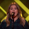 VIDEO: Kelly Clarkson Covers 'Home'