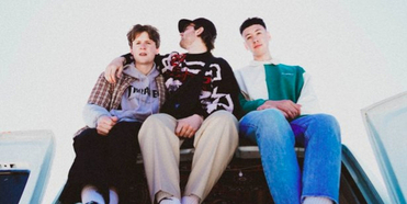 SUPERLOVE Announce Brand New EP '...but for the moment' Photo