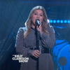 VIDEO: Kelly Clarkson Performs 'Lost In Your Eyes'